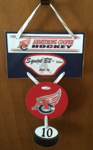 The best hotel door signs for hockey moms to make for for Hotel door decor